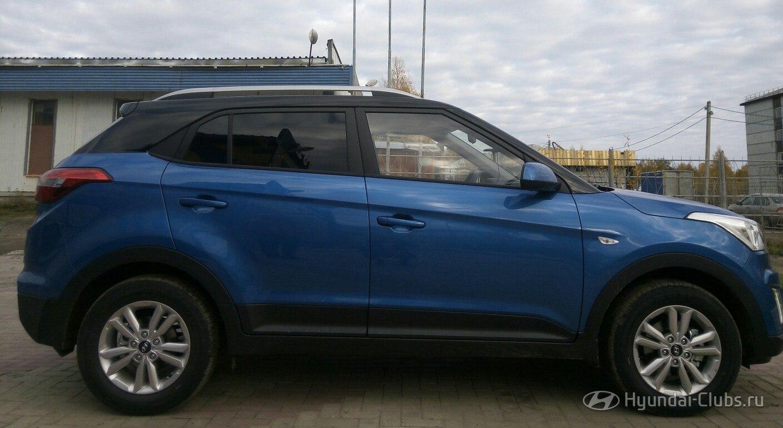 Creta Club: Hyundai Creta с черной крышей и стойками